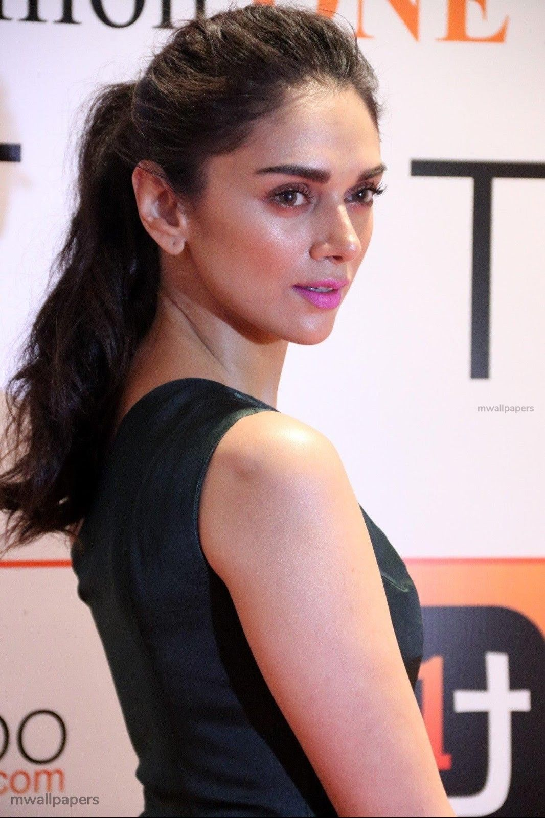 Aditi Rao Hydari Beautiful HD Photoshoot Stills (1080p) (30941) - Aditi Rao Hydari