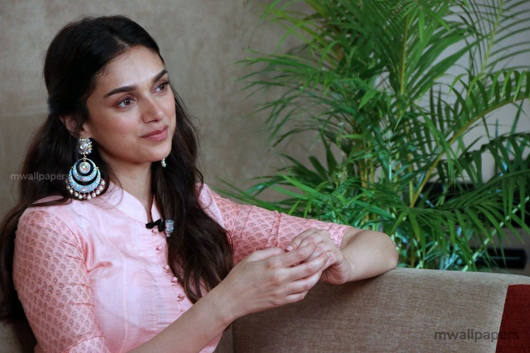 Aditi Rao Hydari Cute HD Photos (1080p) (31030) - Aditi Rao Hydari