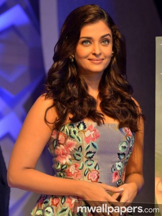 Aishwarya Rai Cute HD Photos (1080p)