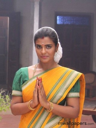 Aishwarya Rajesh in Saamy Square HD Images