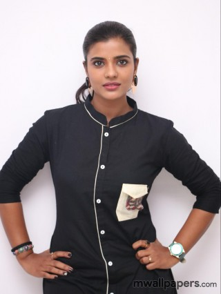 Aishwarya Rajesh in Saree HD Photos (1080p)