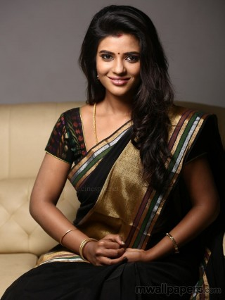 Aishwarya Rajesh in Saree HD Photos (1080p) - aishwarya rajesh,aishwarya,kollywood,tollywood,mollywood,bollywood
