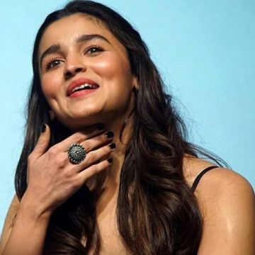 Alia Bhatt HD Wallpapers (Desktop Background / Android / iPhone) (1080p, 4k)