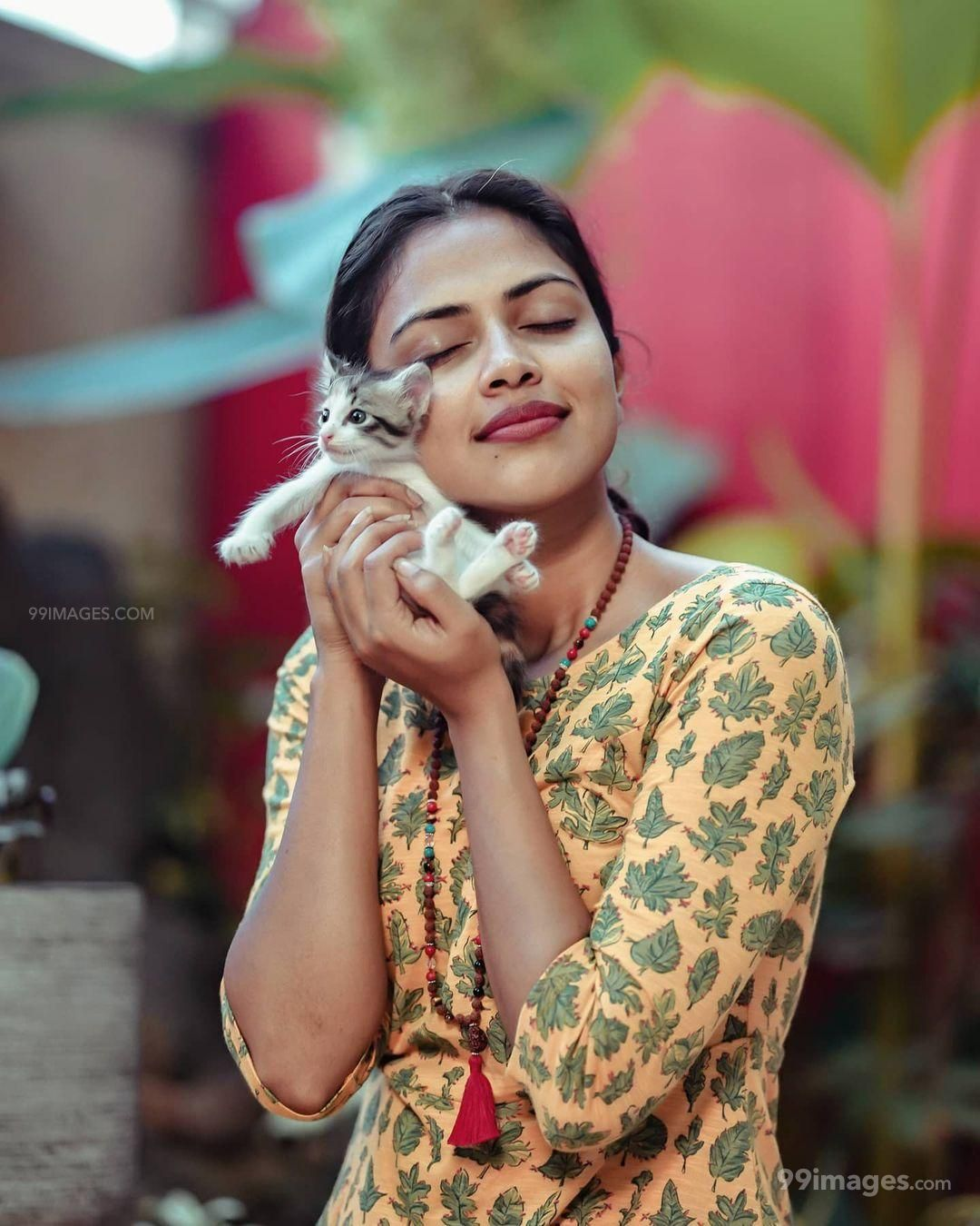 Amala Paul HD Wallpapers (Desktop Background / Android / iPhone) (1080p, 4k)