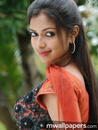 Amala Paul Beautiful HD Photos (1080p)