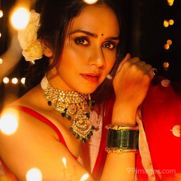 Amruta Khanvilkar HD Wallpapers (Desktop Background / Android / iPhone) (1080p, 4k)