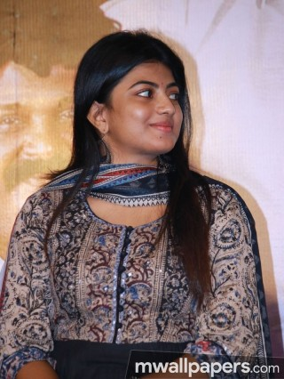 Anandhi Cute HD Photos (1080p)