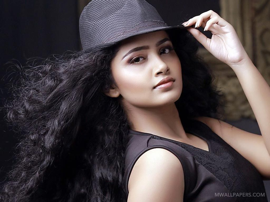 Anupama Parameswaran Beautiful HD Photos (1080p) (11940) - Anupama Parameswaran