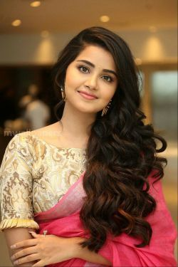 Anupama Parameswaran Beautiful HD Photos (1080p) - anupama parameswaran,actress,mollywood,tollywood,kollywood