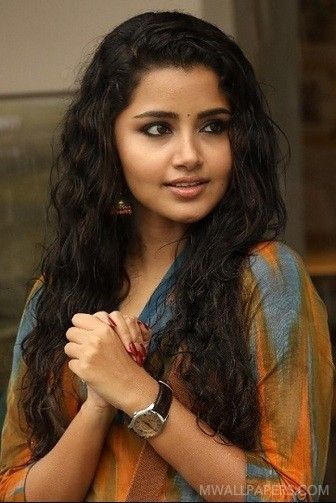 Anupama Parameswaran Beautiful HD Photos (1080p)