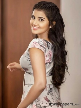 Anupama Parameswaran Beautiful HD Photos