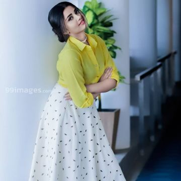Anupama Parameswaran Beautiful Photoshoot in Yellow and White Skirt HD Photos HD Wallpapers (Desktop Background / Android / iPhone) (1080p, 4k)