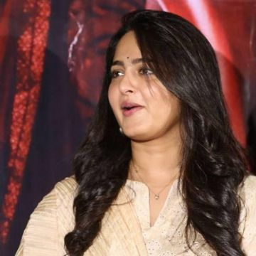 Anushka Shetty HD Wallpapers (Desktop Background / Android / iPhone) (1080p, 4k)