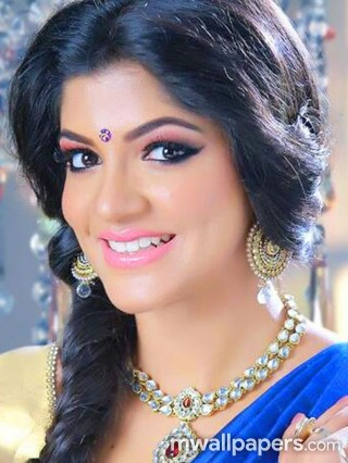 Aparna Balamurali Hot HD Photos (1080p)