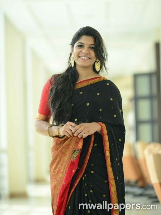 Best Aparna Balamurali Saree HD Photos (1080p)