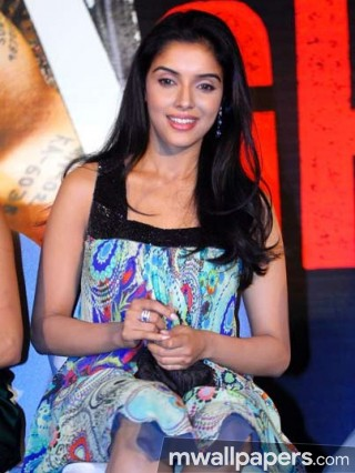 Asin Thottumkal Beautiful HD Photos (1080p)