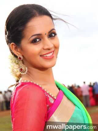 Bhavana Beautiful HD Photoshoot Stills (1080p)
