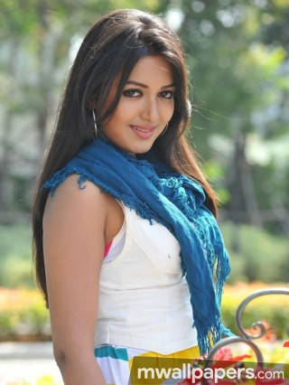 Catherine Tresa Beautiful HD Photoshoot Stills (1080p)