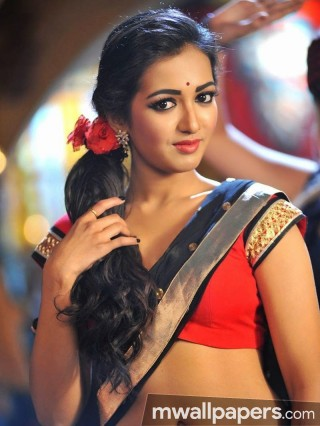 Catherine Tresa Cute HD Photos (1080p)