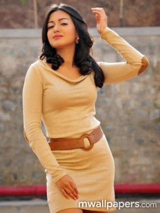 Catherine Tresa Hot HD Photoshoot Stills
