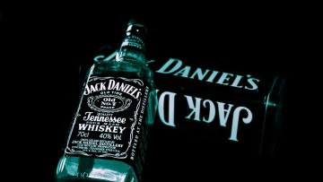 Jack Daniels Whiskey Bottle 2 - Android / iPhone HD Wallpaper Background Download HD Wallpapers (Desktop Background / Android / iPhone) (1080p, 4k)