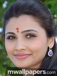 Daisy Shah Cute HD Photos (1080p) - daisy shah,choreographer,actress,hd photos