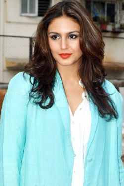 Huma Qureshi Beautiful HD Photos (1080p) - huma qureshi,actress,bollywood,kollywood,hd wallpapers