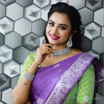 Janani Ashok Kumar HD Wallpapers (Desktop Background / Android / iPhone) (1080p, 4k)