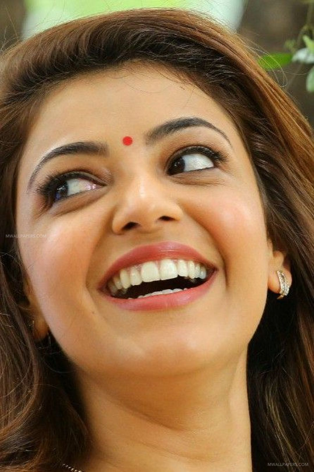 Kajal Aggarwal Hot Beautiful Face Expression Images / Wallpapers HD Wallpapers (Desktop Background / Android / iPhone) (1080p, 4k) (35672) - Kajal Agarwal
