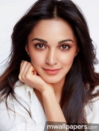 Kiara Advani Cute HD Photos (1080p)