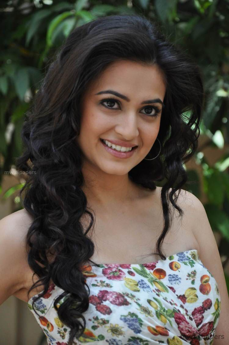 Kriti Kharbanda Beautiful HD Photoshoot Stills (1080p) (30898) - Kriti Kharbanda
