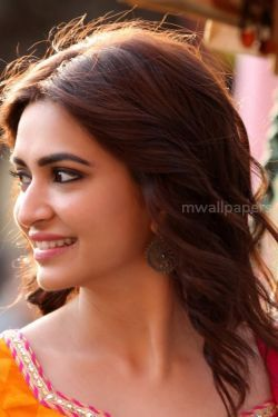 Kriti Kharbanda Beautiful HD Photos (1080p)