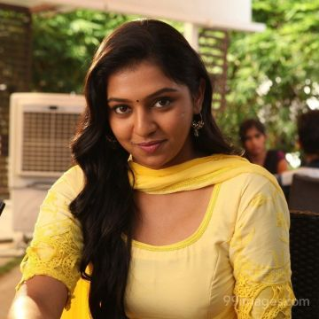 Lakshmi Menon HD Wallpapers (Desktop Background / Android / iPhone) (1080p, 4k)