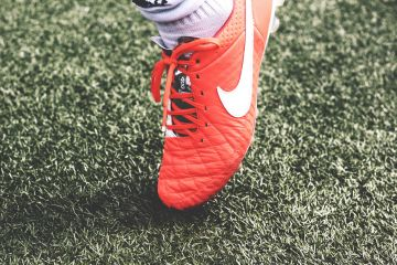 Nike Shoes Ground Football - Android / iPhone HD Wallpaper Background Download HD Wallpapers (Desktop Background / Android / iPhone) (1080p, 4k)