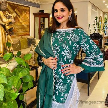 Madhoo HD Wallpapers (Desktop Background / Android / iPhone) (1080p, 4k)