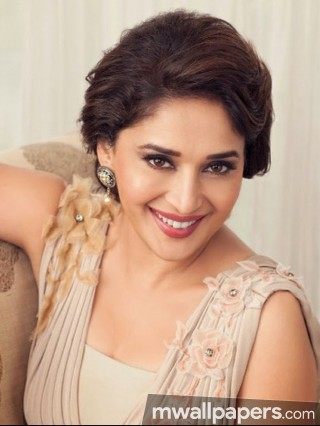 Madhuri Dixit Beautiful HD Photos (1080p)