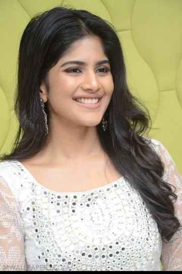 Latest Megha Akash HD Photos (1080p)