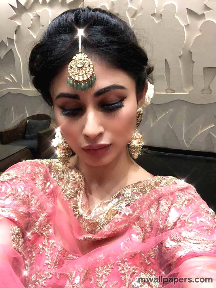 Mouni Roy HD Images & Wallpapers (3699) - Mouni Roy