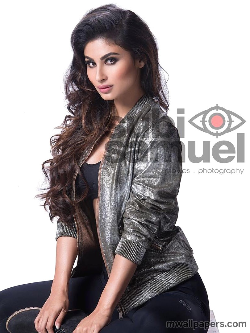 Mouni Roy Hot HD Photos & Wallpapers (3739) - Mouni Roy
