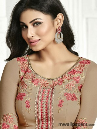 Mouni Roy HD Photos & Wallpapers - mouni,mouni roy,nagini,naagin,actress,bollywood,gold movie