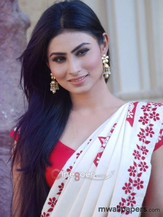 Mouni Roy Hot HD Photos & Wallpapers