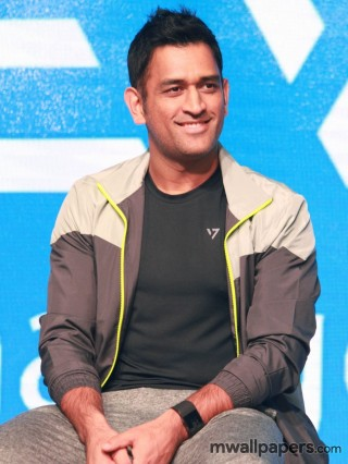MS Dhoni HD Images