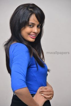 Nandita Swetha Cute HD Photos (1080p)