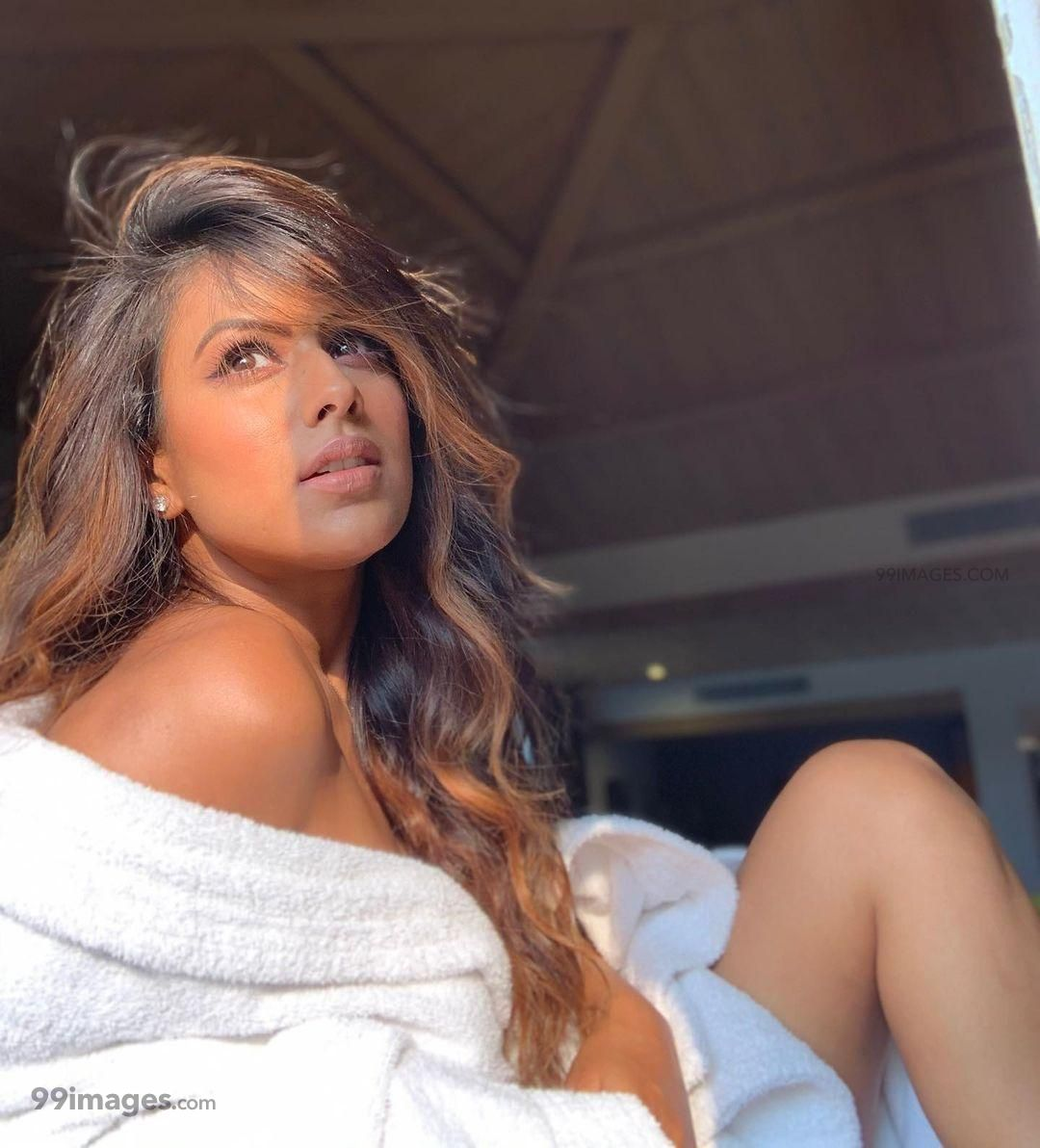 Nia Sharma HD Wallpapers (Desktop Background / Android / iPhone) (1080p, 4k) (261577) - Nia Sharma