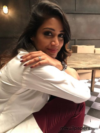 Nivetha Pethuraj HD Images and Wallpapers