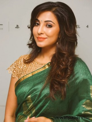 Parvathy Nair HD Photos