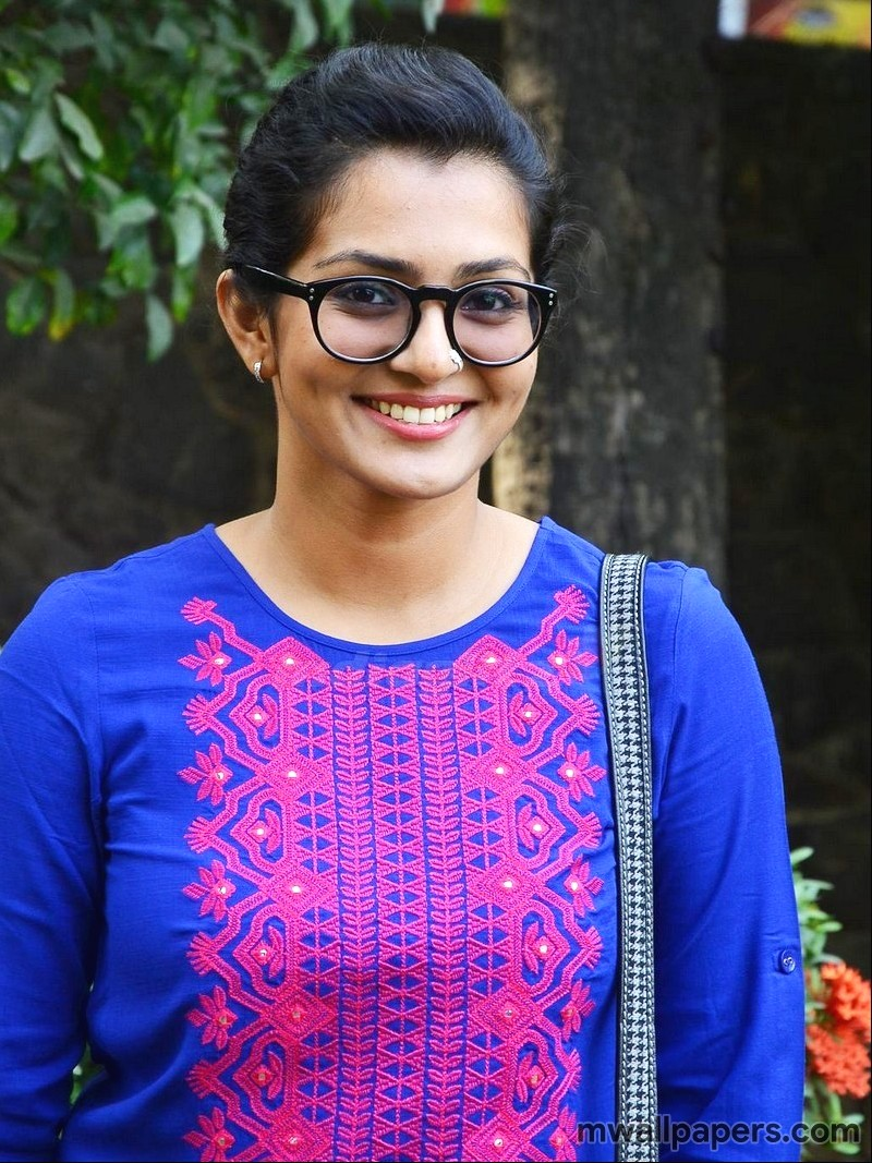 Parvathy HD Images and Wallpapers (3310) - Parvathy