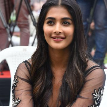 Pooja Hegde Hot in Black Dress HD Photo HD Wallpapers (Desktop Background / Android / iPhone) (1080p, 4k)