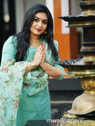 Prayaga Martin Beautiful HD Photos (1080p)