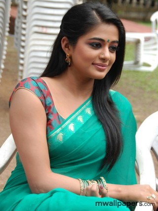 Priyamani HD Image Wallpapers